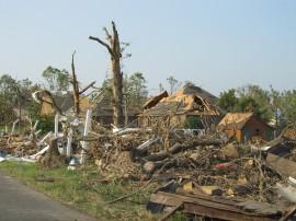 tornado-1650683_1920