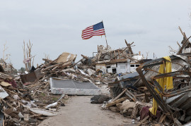 800px-Tornado_aftermath_can_be_seen_in_Moore,_Okla.,_May_28,_2013_130528-Z-TK779-007